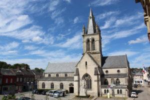 Façade de l'église Notre-Dame à Pavilly